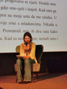 Tonka Pavić tijekom čitanja nagrađene priče Potop na visokoj peti